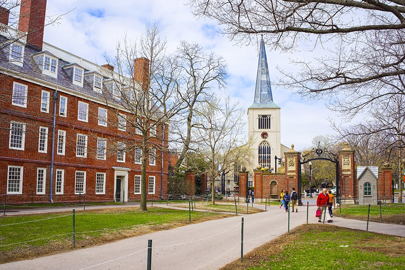 5 ways to increase your chances of getting into top colleges